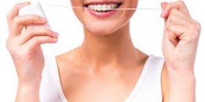 زمان مناسب برای استفاده نخ دندان